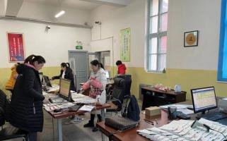 龙井市图书馆开展开架图书整理工作